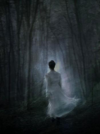 призрак в темноте